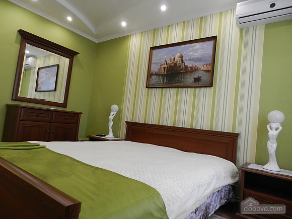 Apartment in a classical style in the city center, One Bedroom (10630), 001