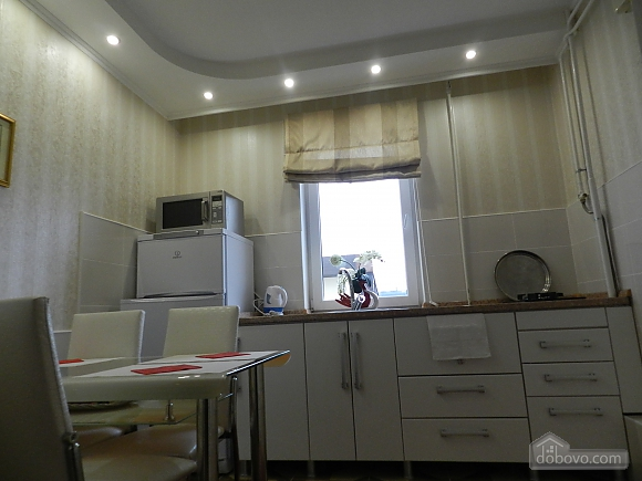 Квартира в классическом стиле в центре, 2х-комнатная (10630), 007