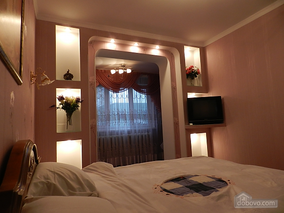 In the historical center of Chisinau, Two Bedroom (89734), 003