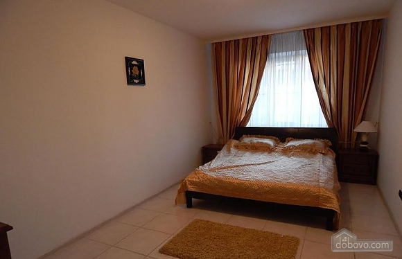 Apartments in the center in a new house, Due Camere (45805), 004