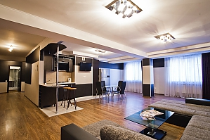 VIP Apartment in the center, Two Bedroom, 001
