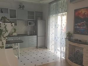 32 Esplanadna, One Bedroom, 004
