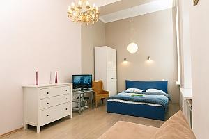 The apartment is near Olimpiiska station, Studio, 001