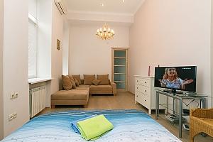 The apartment is near Olimpiiska station, Studio, 002