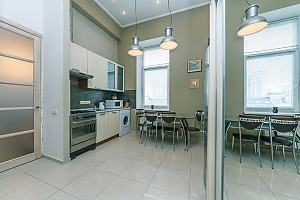 The apartment is near Olimpiiska station, Studio, 003