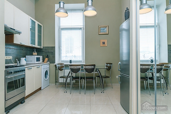 The apartment is near Olimpiiska station, Monolocale (37015), 004