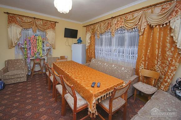 Комната с большой кроватью в доме, 1-комнатная (72462), 004