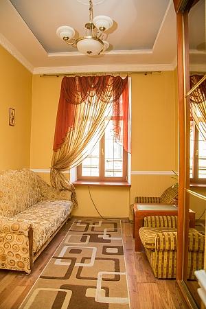 Квартира біля центру, 1-кімнатна, 001