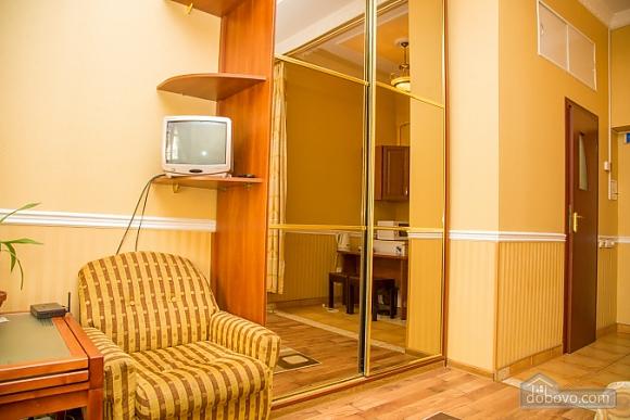 Квартира біля центру, 1-кімнатна (46395), 005