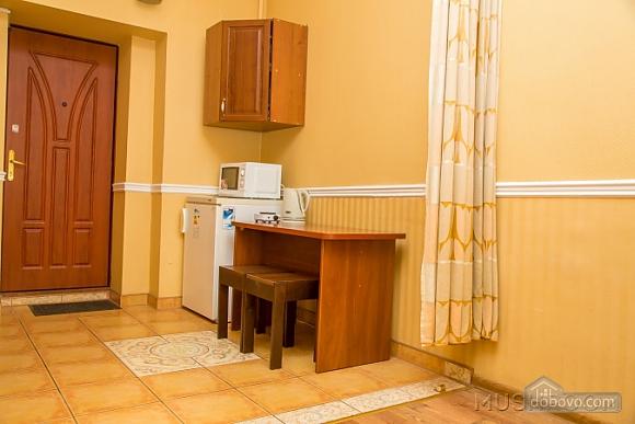 Квартира біля центру, 1-кімнатна (46395), 007
