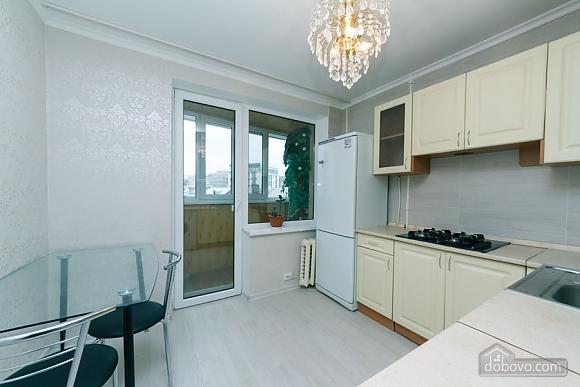 Квартира з високим та широким ліжком, 1-кімнатна (14639), 007