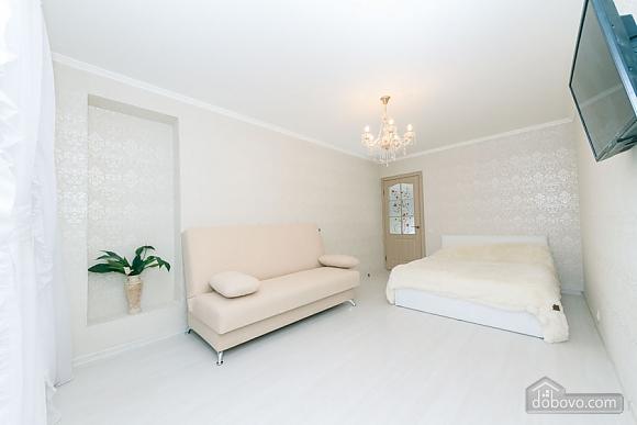 Квартира з високим та широким ліжком, 1-кімнатна (14639), 002