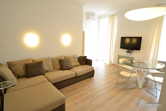 Sunny and spacious apartment in the center, Una Camera (21655), 001