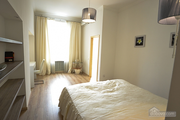 Sunny and spacious apartment in the center, Una Camera (21655), 010