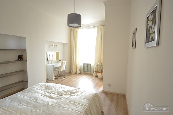 Sunny and spacious apartment in the center, Una Camera (21655), 012
