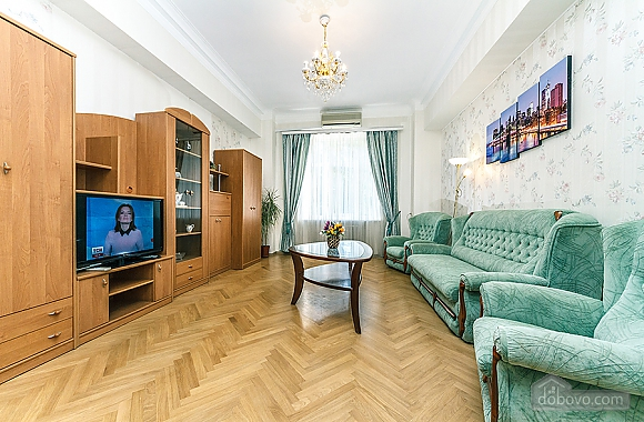 Просторная квартира на Крещатике, 2х-комнатная (18172), 003