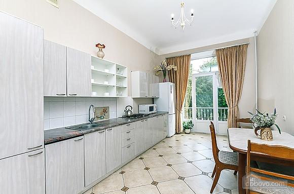 Просторная квартира на Крещатике, 2х-комнатная (18172), 005