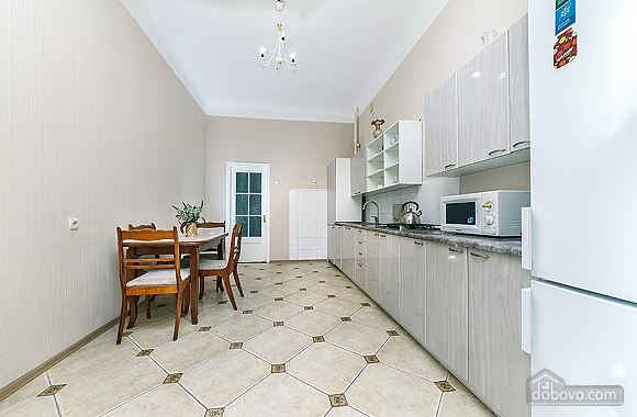 Просторная квартира на Крещатике, 2х-комнатная (18172), 006