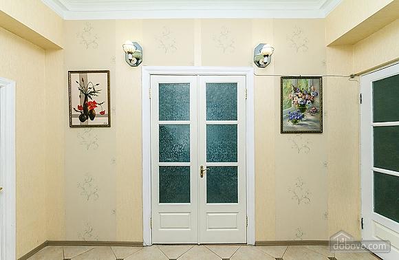 Просторная квартира на Крещатике, 2х-комнатная (18172), 008