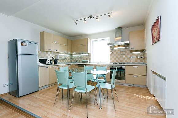 Apartment in the center of Kyiv, Three Bedroom (55621), 002