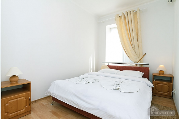 Apartment in the center of Kyiv, Three Bedroom (55621), 006