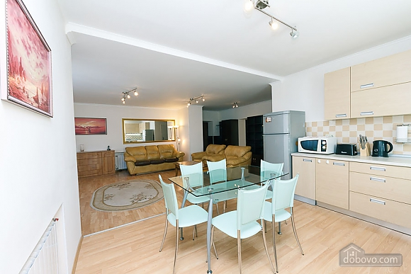 Apartment in the center of Kyiv, Three Bedroom (55621), 004