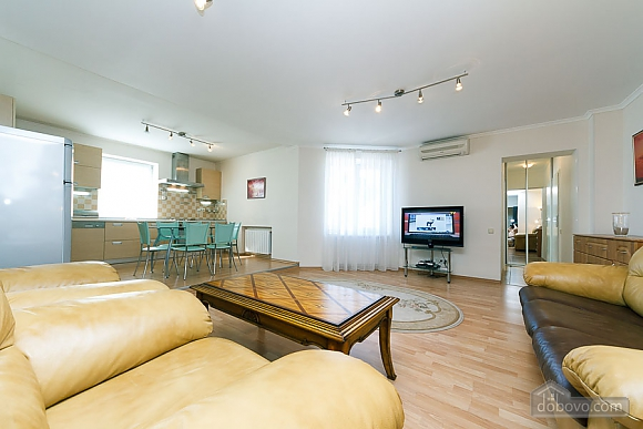 Apartment in the center of Kyiv, Three Bedroom (55621), 005