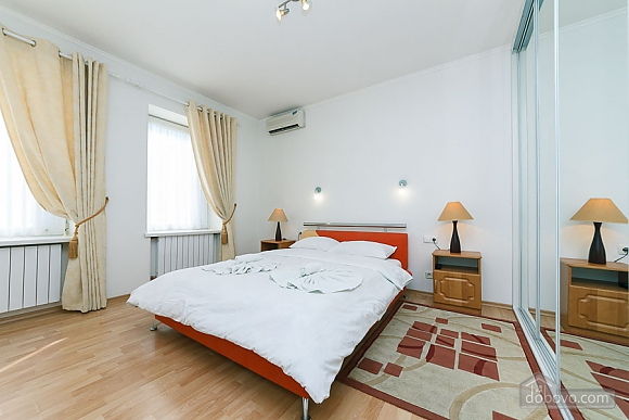 Apartment in the center of Kyiv, Three Bedroom (55621), 008