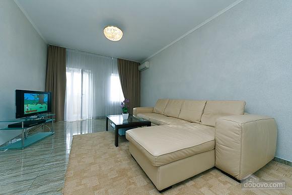 Апартаменты в самом центре Киева, 2х-комнатная (72640), 002