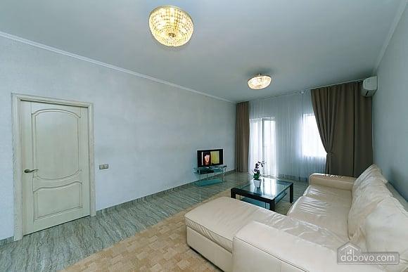 Апартаменты в самом центре Киева, 2х-комнатная (72640), 003
