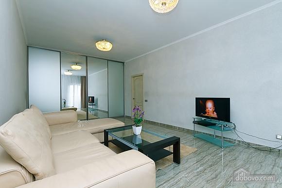 Апартаменты в самом центре Киева, 2х-комнатная (72640), 004