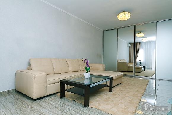 Апартаменты в самом центре Киева, 2х-комнатная (72640), 005