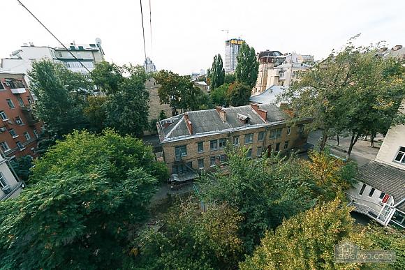 Апартаменты в самом центре Киева, 2х-комнатная (72640), 018