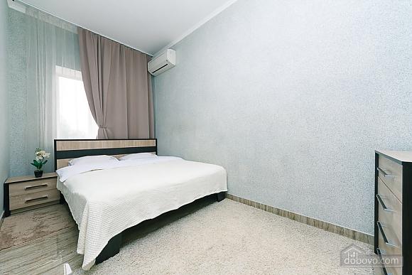 Апартаменты в самом центре Киева, 2х-комнатная (72640), 007