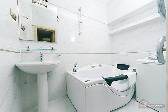 Apartment in the center of Kiev, Una Camera (72640), 014