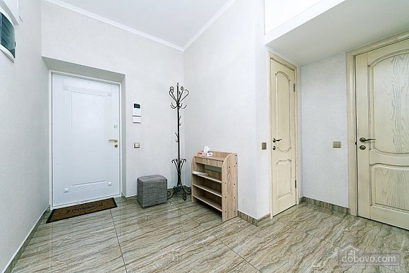 Апартаменты в самом центре Киева, 2х-комнатная (72640), 016