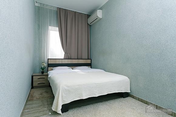 Апартаменты в самом центре Киева, 2х-комнатная (72640), 008