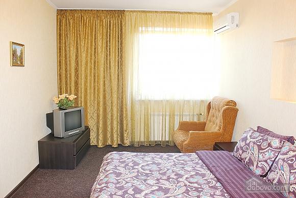 Big apartment near to Poznyaky metro station, Una Camera (72211), 003