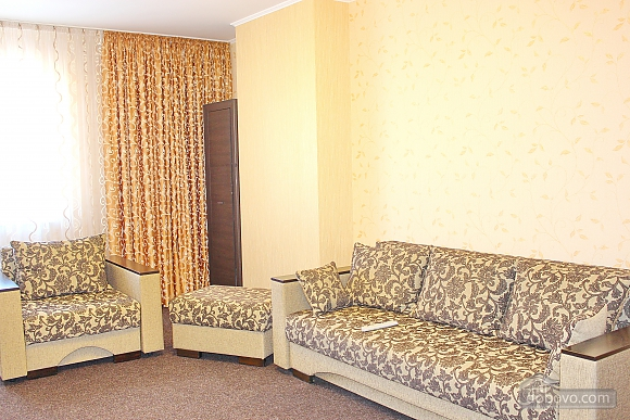 Big apartment near to Poznyaky metro station, Una Camera (72211), 005