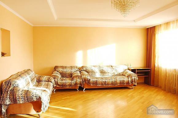 Big apartment near to Kharkivska station, Due Camere (63367), 001