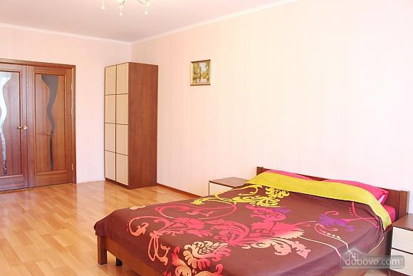 Big apartment near to Kharkivska station, Due Camere (63367), 004