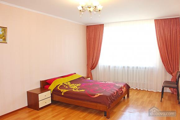 Big apartment near to Kharkivska station, Due Camere (63367), 005