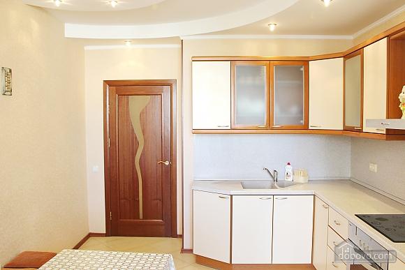 Big apartment near to Kharkivska station, Due Camere (63367), 009