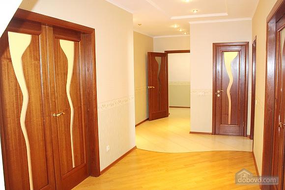 Big apartment near to Kharkivska station, Due Camere (63367), 010