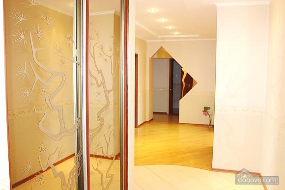 Big apartment near to Kharkivska station, Due Camere (63367), 011