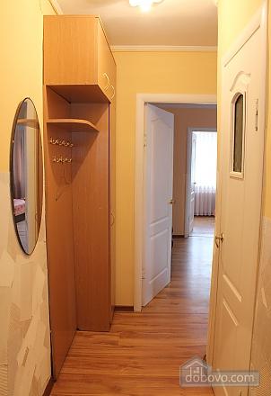 Квартира недалеко от центра, 2х-комнатная (18097), 006