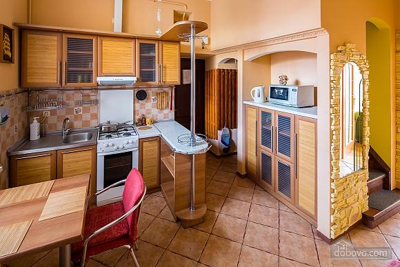 Двухъярусная квартира, 3х-комнатная (95184), 002