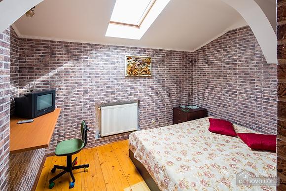 Двухъярусная квартира, 3х-комнатная (95184), 004