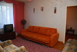 Cozy apartment near to Pecherska station, One Bedroom, 002