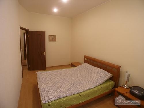 Квартира на Бессарабській площі, 2-кімнатна (76544), 002